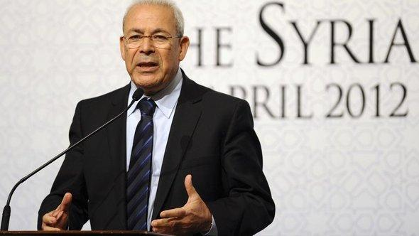 Burhan Ghalioun, former leader of the opposition Syrian National Council, speaks during a news conference following a meeting on Syria in Istanbul, Turkey, Sunday, April 1, 2012 (photo: AP)