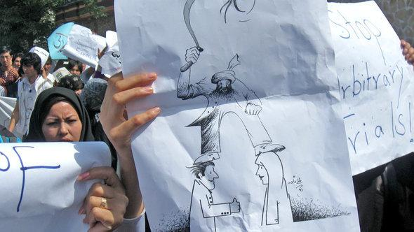 Demonstration in Kabul against violence perpetrated by men (photo: DW)