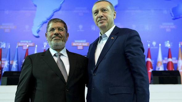 Mohammed Mursi and Recep Tayyip Erdogan (photo: Reuters/Kayhan Ozer)