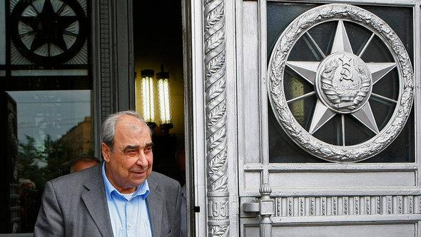 Syrian opposition leader and writer Michel Kilo exits the building of Russia's Foreign Ministry after a meeting with the Russian Foreign Minister, in Moscow, Russia, Monday, July 9, 2012 (photo: AP/dapd)