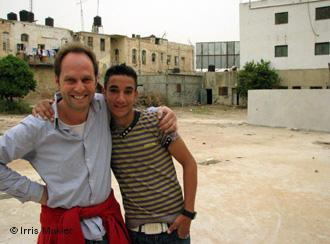 Marcus Vetter with one of the volunteers from Jenin (photo: Iris Makler)