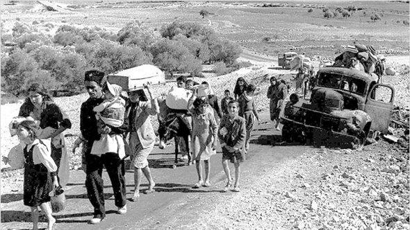 Palestinian refugees making their way from Galilee in 1948 (photo: DW)
