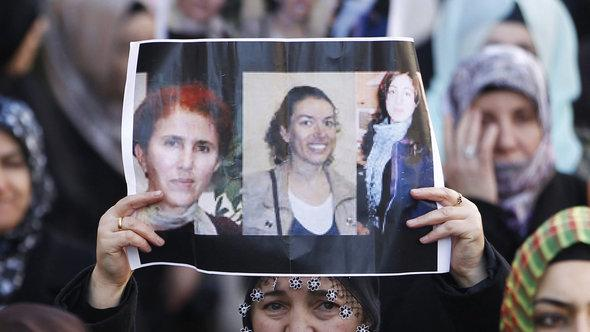 Members of the Kurdish community demonstrate in the streets of Marseille, 10 January 2013, over the murder of three Kurdish women activists (photo: EPA/Guillaume Horcajuelo