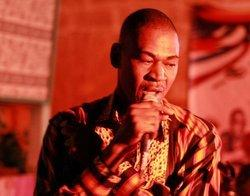 The Malian singer Zouzou, Pili Pili Club Bamako (photo: DW/Tamasin Ford)