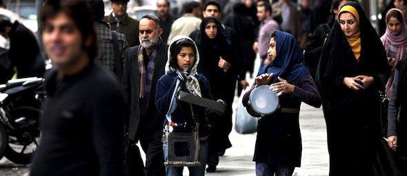 Street scene in Tehran: Iranian girls play music and sings on a street in central Tehran, Iran, Wednesday, 9 January 2013 (photo: Vahid Salemi/AP)
