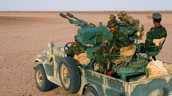 Polisario fighters (photo: Karlos Zurutuza)