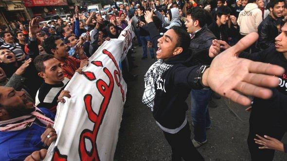 Demonstration of Supporters and Opponents of Mohamed Morsi, Cairo (photo: Reuters)