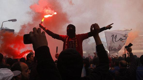Joy and satisfaction at the judge's decision from the Al-Ahly supporters in Kairo (photo: AFP/Getty images)