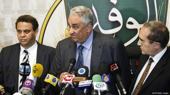 Members of the National Salvation Front with their spokesman, Sameh Ashur, in the middle (photo: AFP/Getty Images)