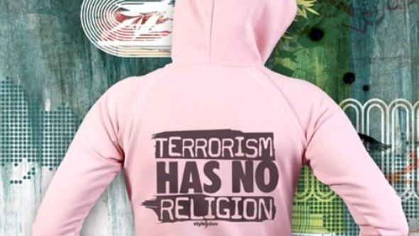 A sweater with the phrase 'Terror has no religion' printed on it (courtesy: Styleislam)