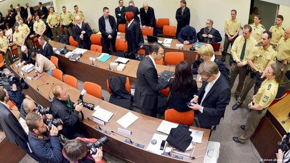 Hearing on the first day of the NSU trial in Munich (photo: picture-alliance/dpa)