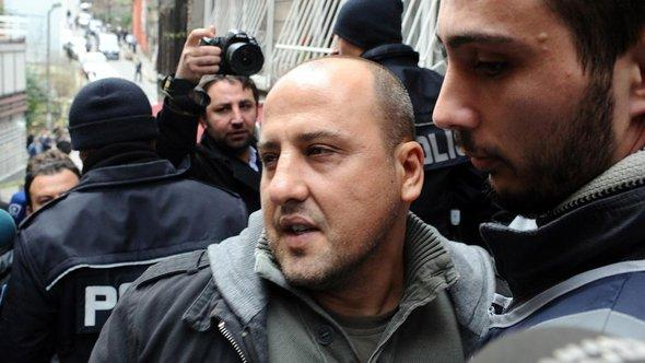 Ahmed Sik after his release from prison in Istanbul (photo: dpa)