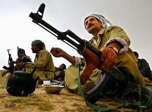 Peshmerga militiamen in Iraqi Kurdistan (photo: AP)