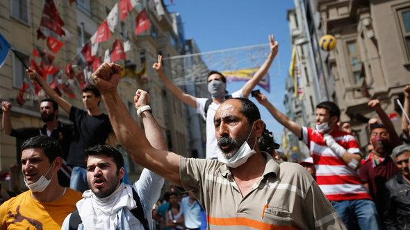 Demonstration against Erdogan (photo: Reuters)