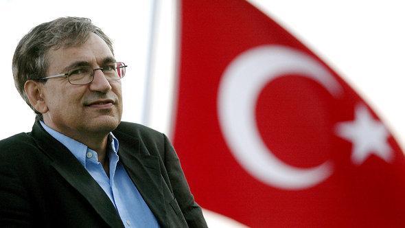 أورهان باموك الكاتب التركي الحائز على جائزة نوبل للآداب. د ب أ