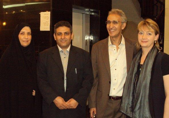 Hella Mewis (right) with colleagues from Morocco, Palestine and Iran at the Theatre Festival in Baghdad (photo: Birgit Svensson)