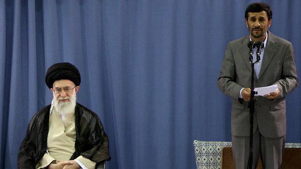 Iran's Spiritual Leader Khamenei (left) and former President Ahmadinejad (photo: AP)