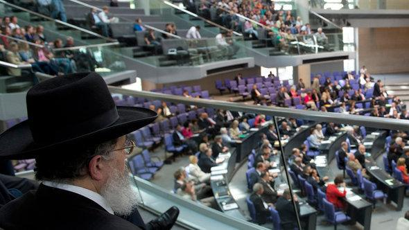 A rabbi attending the debate on the legal admission of ritual circumcision in the German Bundestag (photo: © dapd)