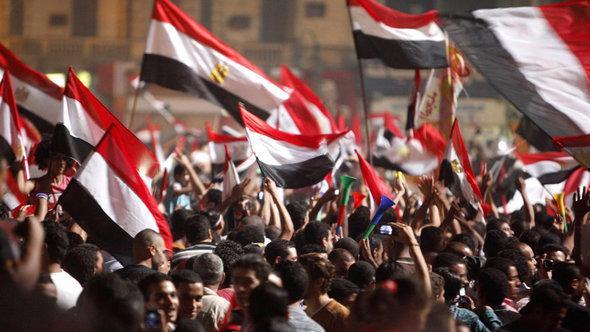 احتفالات في ميدان التحرير بعد عزل الرئيس مرسي. رويترز