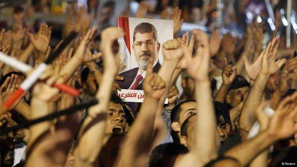 Pro-Morsi protests in Cairo (photo: Reuters)