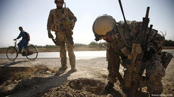 Bundeswehr soldiers in Kundus, Afghanistan, 21/10/2012 (photo: © picture alliance/JOKER)