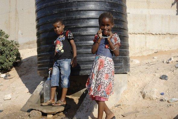 Children in the Tawergha refugee camp near Tripolis (photo: Simone Stocker)