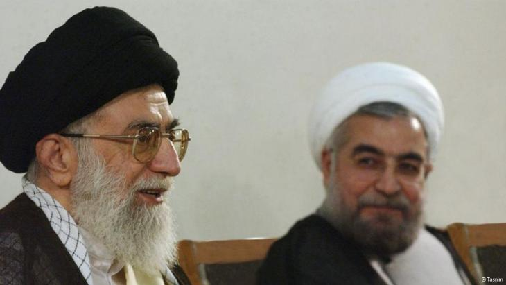 Ali Khamenei (left) and Hassan Rohani meet to talk (photo: Tasnim)