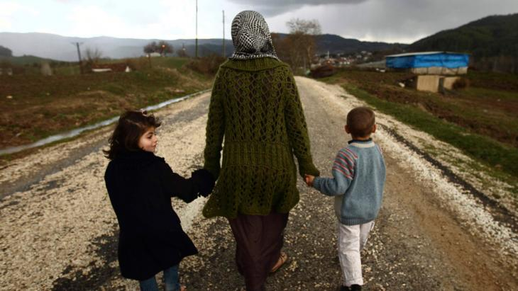Syrian refugees at the Turkish border (photo: Reuters)