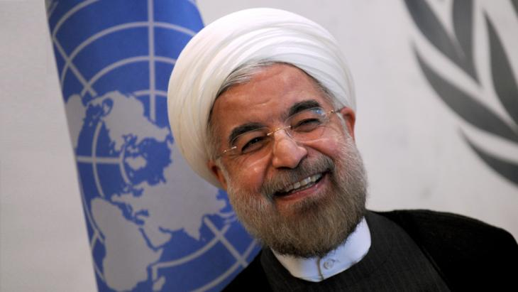 Iran's New President Hassan Rouhani is seen here at the United Nations as he's greeted by the United Nations Secretary General Ban Ki-Moon (photo: picture-alliance/Newscom)