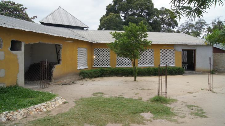 Bishop Dickson Kaganga's church near Stone Town (photo: dpa/picture-alliance)
