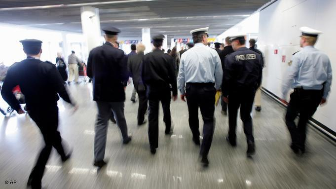 German border guards in Frankfurt (photo: dpa/picture-alliance)