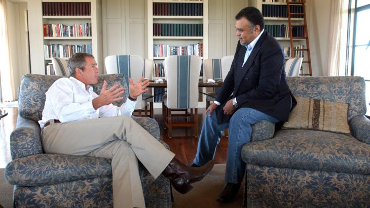 President George W. Bush meets with Prince Bandar bin Sultan, the Saudi Arabian ambassador, August 27, 2002 at Bush's Ranch in Crawford, Texas (photo: Eric Drapper, the White House/Getty Images)