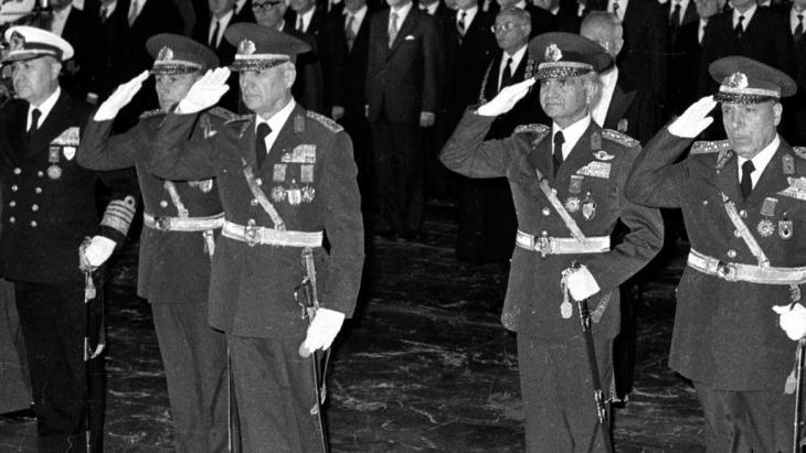 The leaders of Sept. 12 Military coup, from left to right, Adm. Nejat Tumer, Gen. Nurettin Ersin, Gen. Kenan Evren, Gen. Tahsin Sahinkaya and Gen. Sedat Celasun in Ankara, Turkey Oct. 29, 1980 file (photo: Burhan Ozbilici, File /AP/dapd)