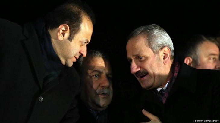 EU Affairs Minister Egemen Bagis (left), Minister of the Interior Muarrem Güler (centre) and Economy Minister Zafer Caglayan (right) (photo: picture-alliance/landov)