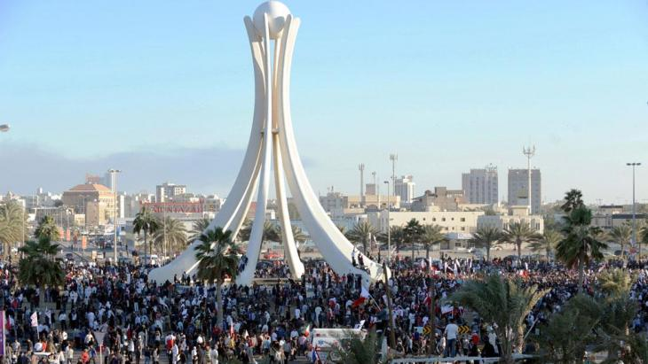 احتجاجات ضد الحكومة في دوّار اللؤلؤة في فبراير/ شباط 2011. Foto: dpa/picture-alliance