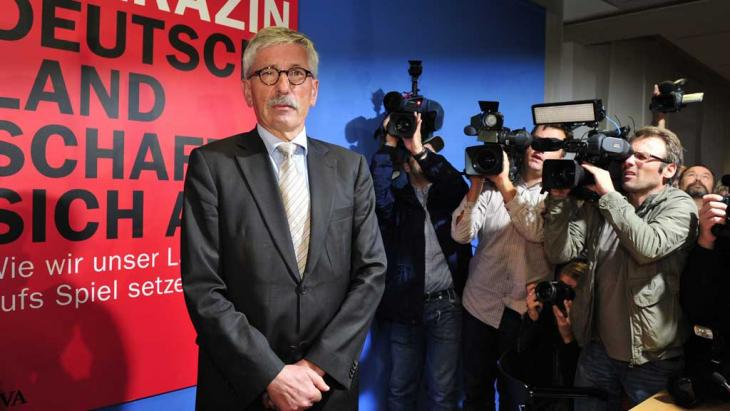 "Thilo Sarrazin arrives for the official presentation of his book ""Deutschland Schafft Sich Ab"" in Berlin on 30 August 2010 (photo: AFP/Getty Images)"