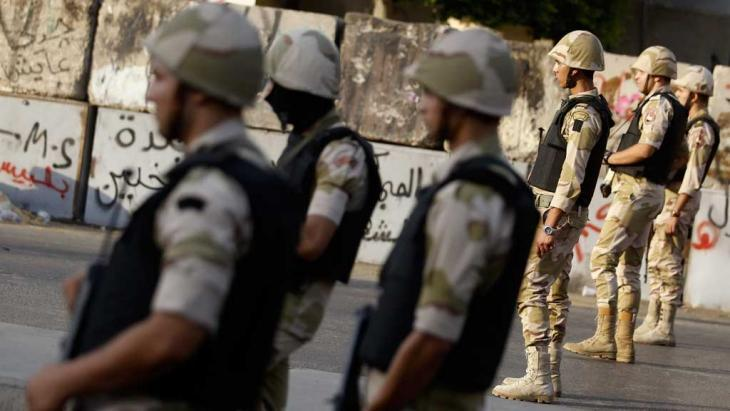 Units of the Egyptian army in Cairo (Photo: Reuters)