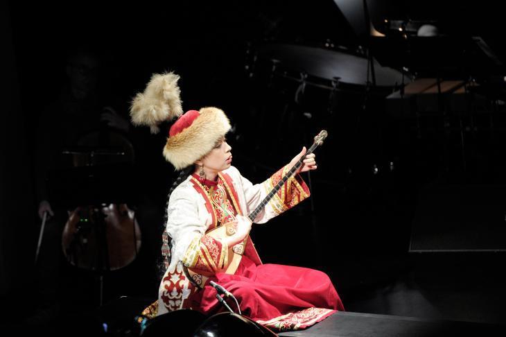 """Performance of Marc Sinan's """"Dede Korkut"""" (photo: J. L. Diehl)"""