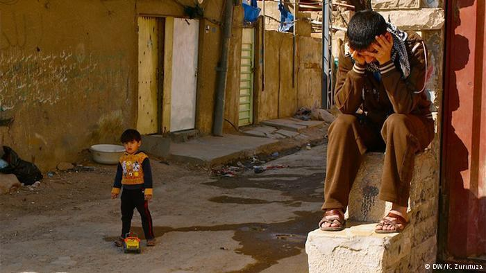 Young children in a slum area in Baghdad (photo: DW/K. Zurutuza)