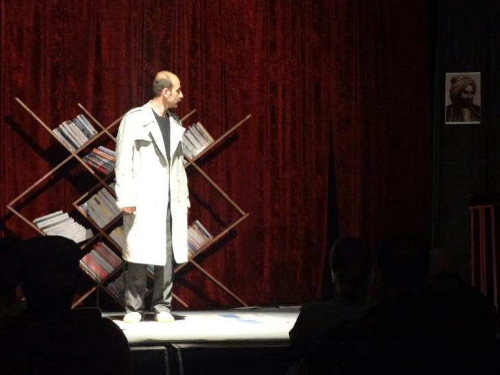 """Performance of the Kurdish play """"The Pains of Language"""" in Berlin (photo: Omer Ucun)"""