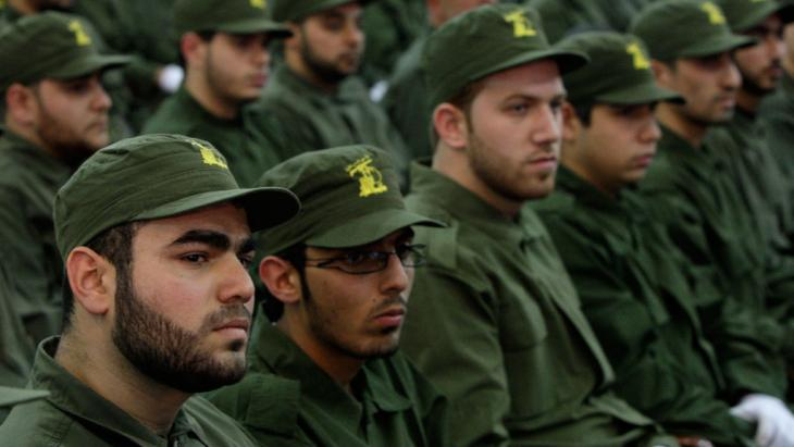 Hezbollah fighters in a suburb of Beirut. Photo: picture-alliance/AP