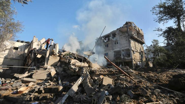 The remains of a house destroyed in an Israeli air strike in Gaza City July 16, 2014. Photo: REUTERS/Mohammed Salem
