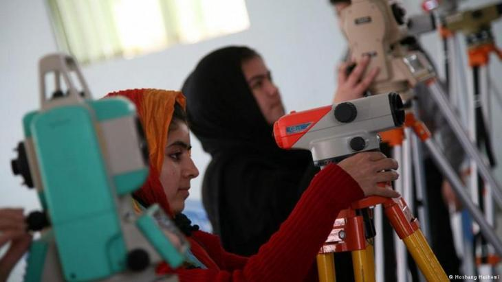Female students at the University of Herat (photo: DW/Hoshang Hashemi)