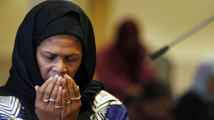 Amina Wadud (photo: Adrian Dennis/AFP/Getty Images)