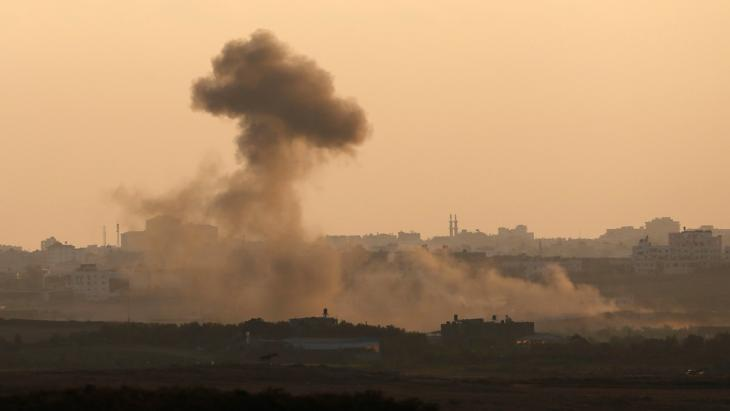 The bombardment of the Gaza Strip by the Israel Defense Forces on 9 August 2014 (photo: Reuters)