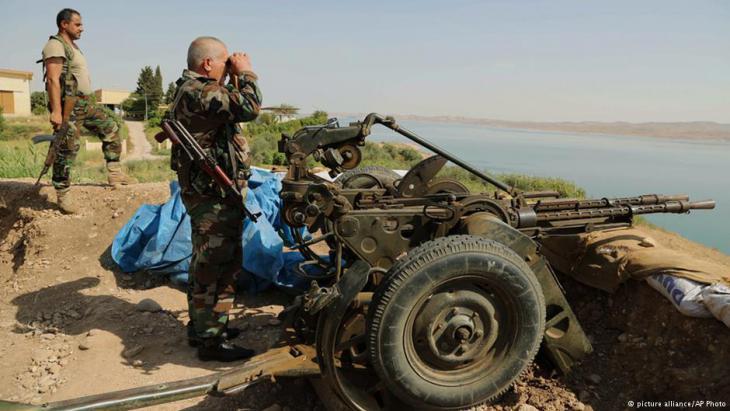 Members of the Kurdish Peshmerga at Mosul Dam in Iraq (photo: picture-alliance/AP)