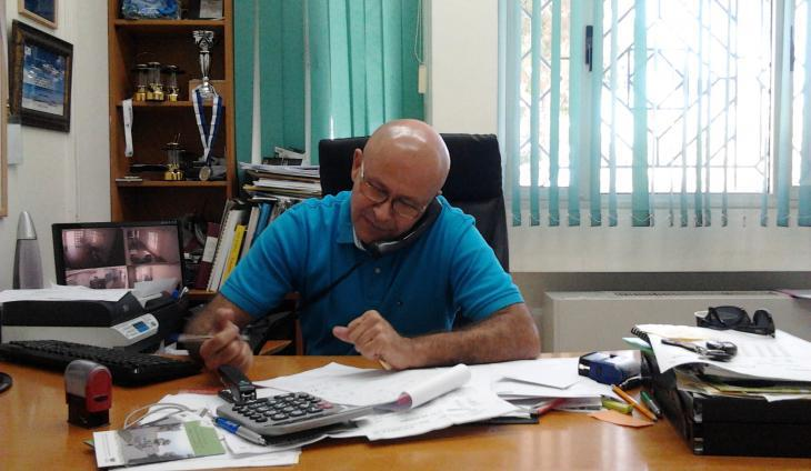Ibrahim Abu Shandi of the Arab Jewish Community Center in Jaffa in his office (photo: Ulrike Schleicher)