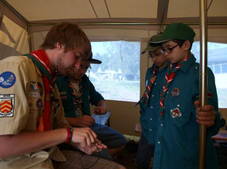 Scouts and scout leaders (photo: Federation of Muslim Boy and Girls Scouts of Germany)