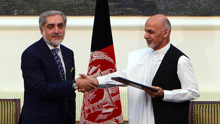 Abdullah Abdullah (left) and Ashraf Ghani (photo: AFP/Getty Images)
