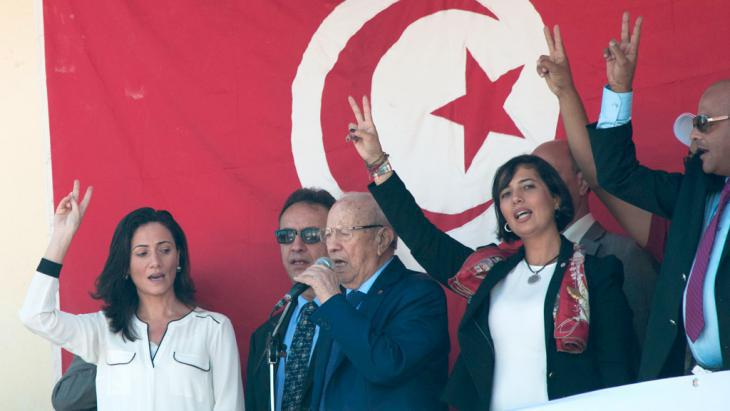 Beji Caid Essebsi (third from left) at an election rally in Hammam-Lif (photo: Sarah Mersch)